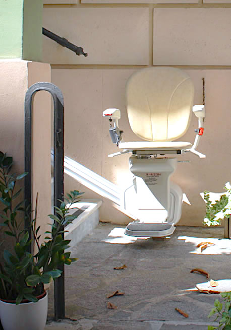 Outdoor Stair Lifts AmeriGlide Horizon Plus Outdoor Stairlift
